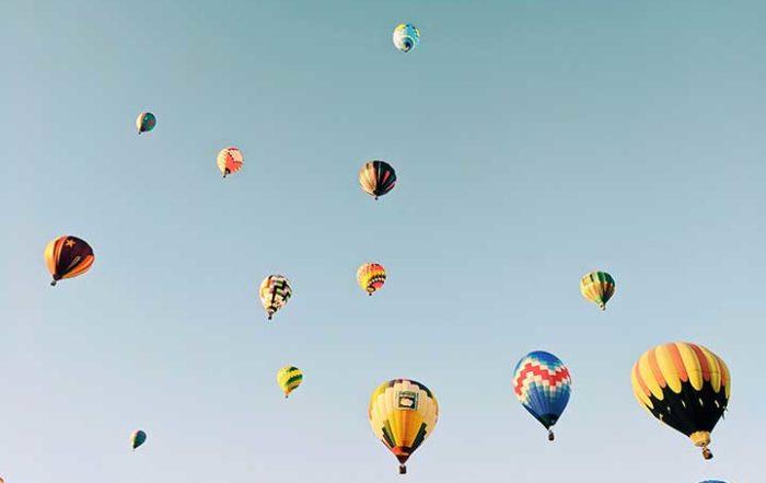 mongolfiere in cielo metafora per crowdfunding startup