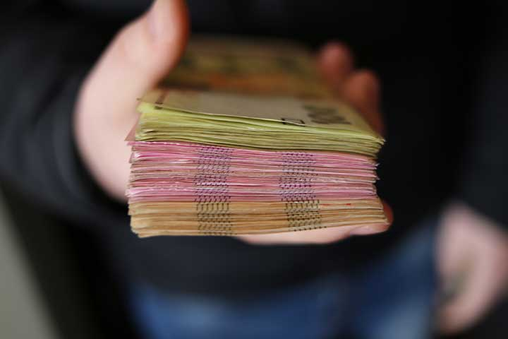 mazzetta di soldi guadagnati mediante equity crowdfunding