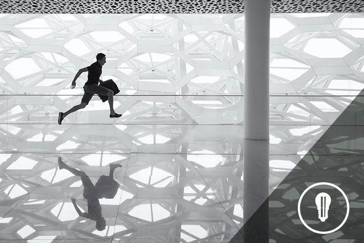 persona che corre a simboleggiare un percorso di accelerazione per startup